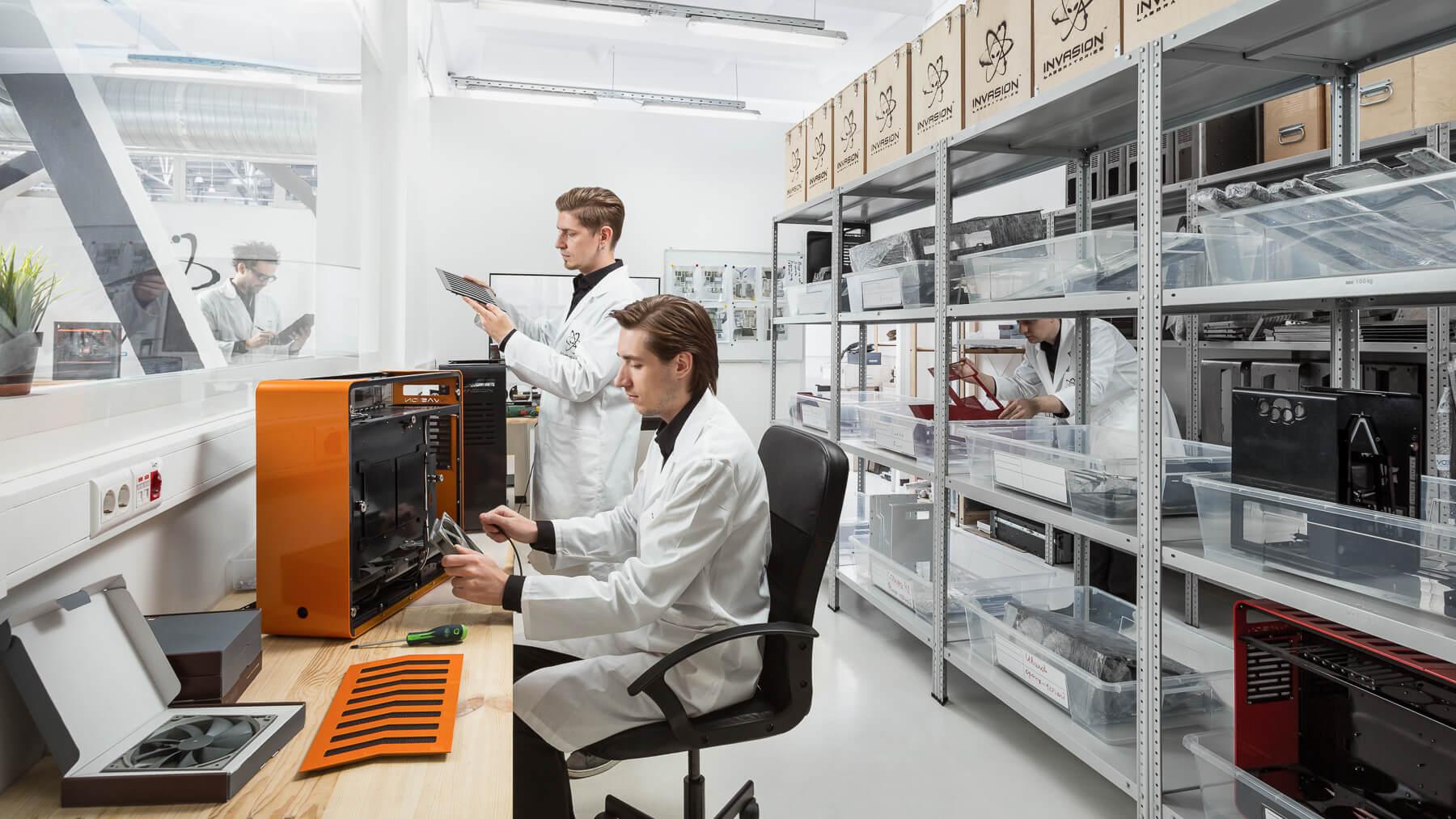 Экскурсия по INVASION Labs: сборка корпусов